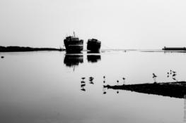Vague à l'âme dans le port de Mandvi