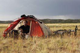 Le pilote dans les steppes du Kazakhstan