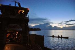 Suspendus sur l'Amazone