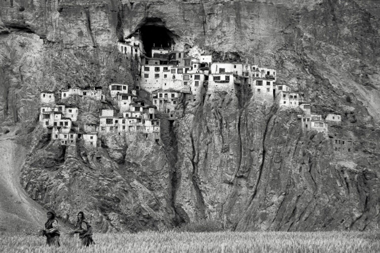tirage d'art photo : le monastère de Pukhtal, Himalaya, Zanskar, Inde - Bouts du monde