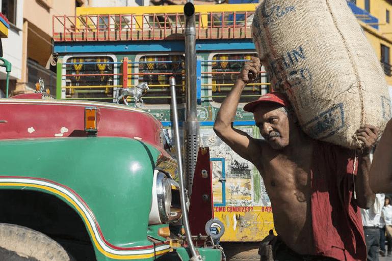 Les chivas des routes andines