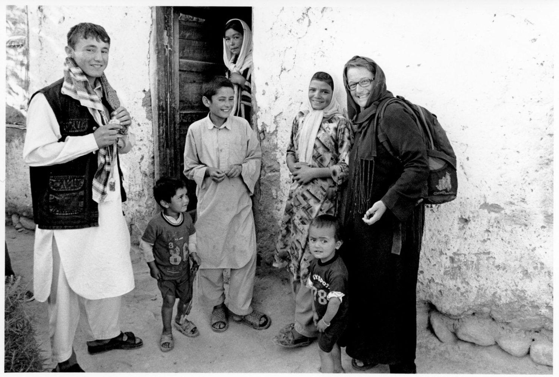portrait de MariBlanche Hannequin en noir et blanc au pakistan